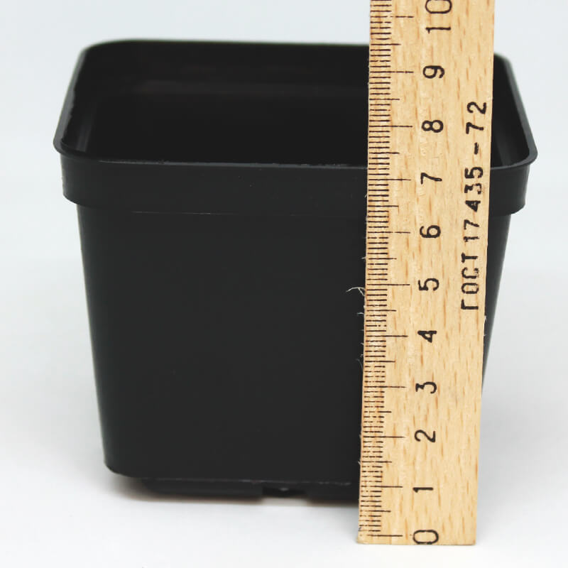Горщик квадратний 9х9х7 см.